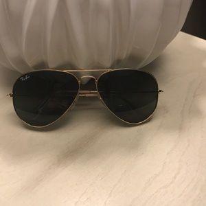 Women's Ray-Ban Aviator sunglasses